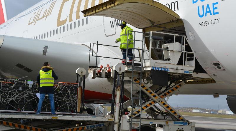 Transporte aéreo frente marítimo